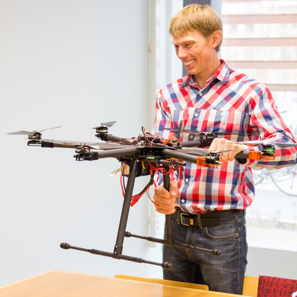 Mattias shows the lab's recently built Tarot T810 hexacopter.